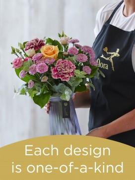 Hand-tied Bouquet and Vase £40